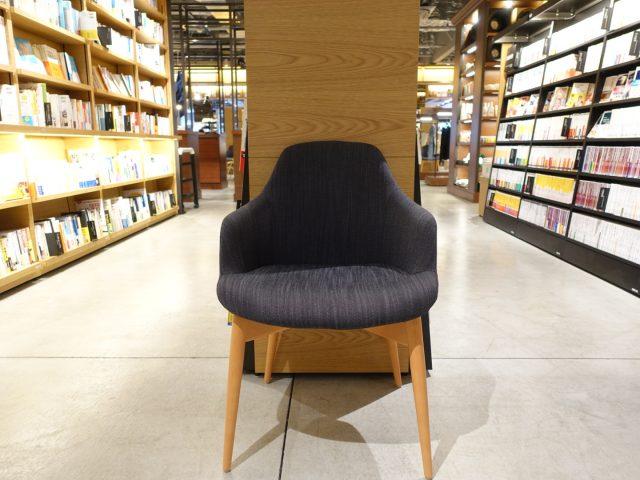 六本松 蔦屋書店 椅子